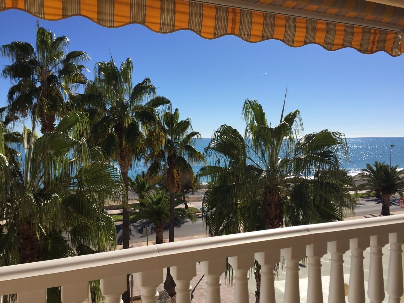 Location Appartement à Calle torrecaiguda, 7. 20 meters from the beach ¡¡¡¡¡
