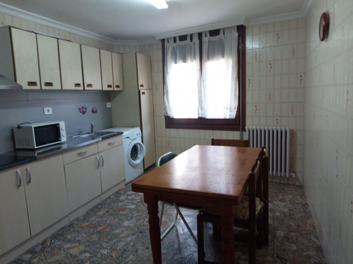 Casa en alquiler en Tarazona. Casa centrica, ampli