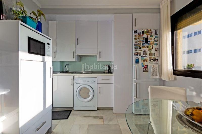 Alquiler Apartamento en Calle salvador allende, 29. Alquiler apartamento primera línea de playa (Torremolinos, Málaga)