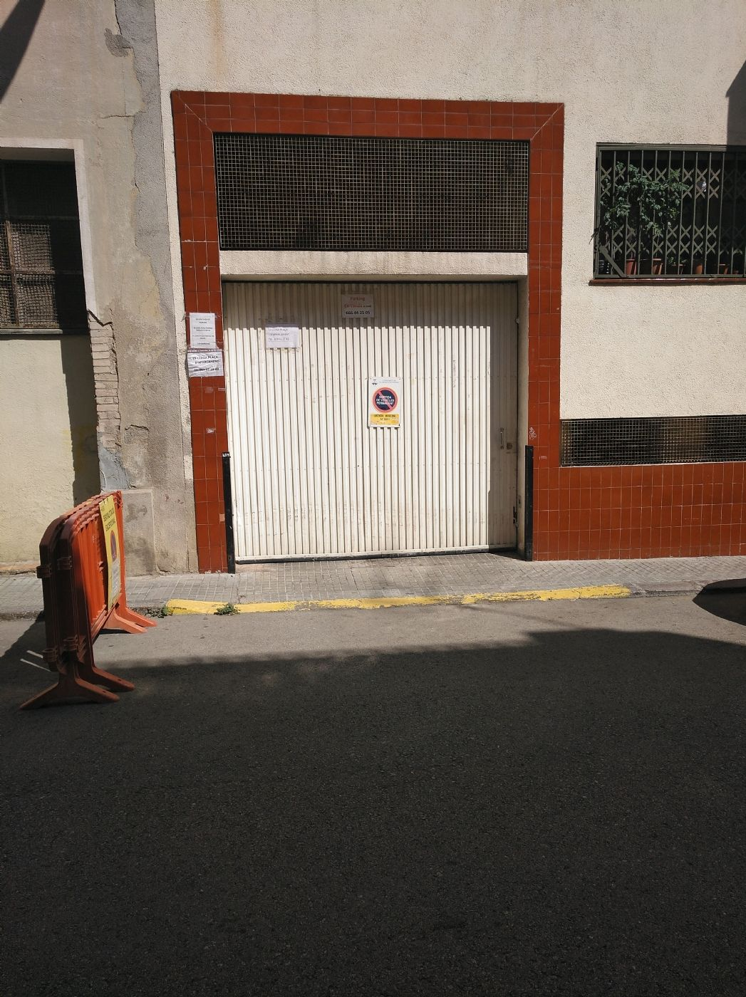Rent Car parking in Carrer ateneu (l. Plaza párquing poble nou c ateneu