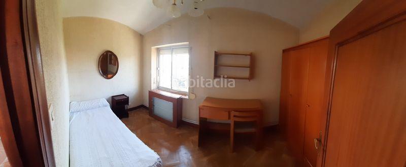 Alquiler Piso en Calle pedro mazuecos, 3. Se alquila piso con 2 habitaciones (Valladolid, Valladolid)