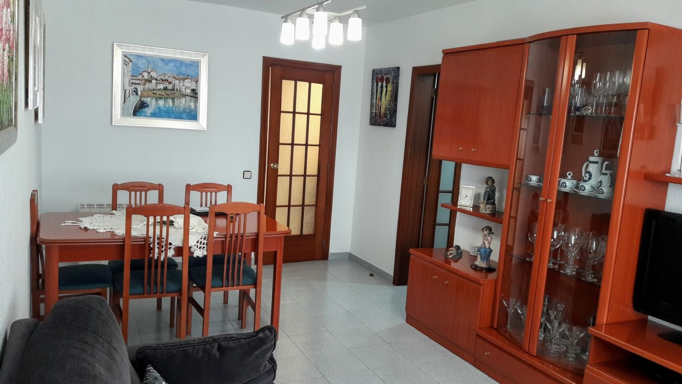 Rent Flat in Mas estaper, 3. Piso amueblado