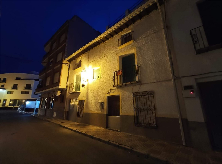 Casa adosada en venta en Puebla de Don Fadrique. P