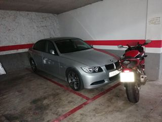 Parking coche en Carrer corro,. Plaza de parking centro