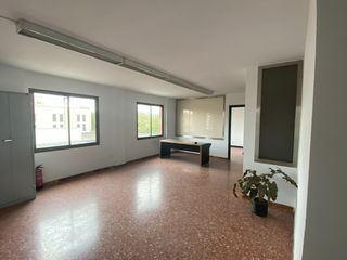 Ufficio in Carrer sant roc, 33. Despacho de 71m2 en mollet