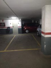 Rent Car parking in Carrer amadeu, 85. Plaza de parking en calella centro (venta o alqui)