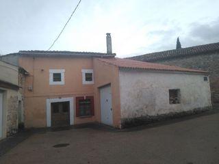 Casa adosada en venta en Villalbilla de Burgos. Ve