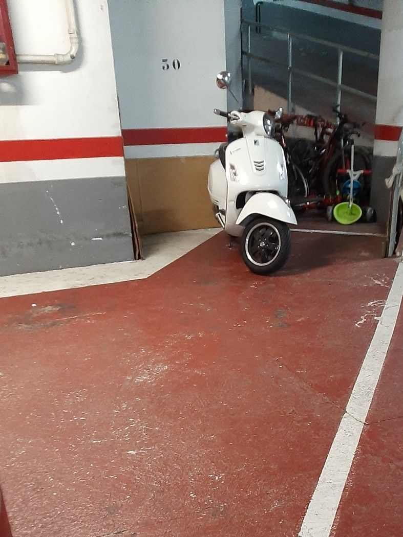 Alquiler Parking moto en Rocafort, 180. Parking moto con sistema de vigilancia