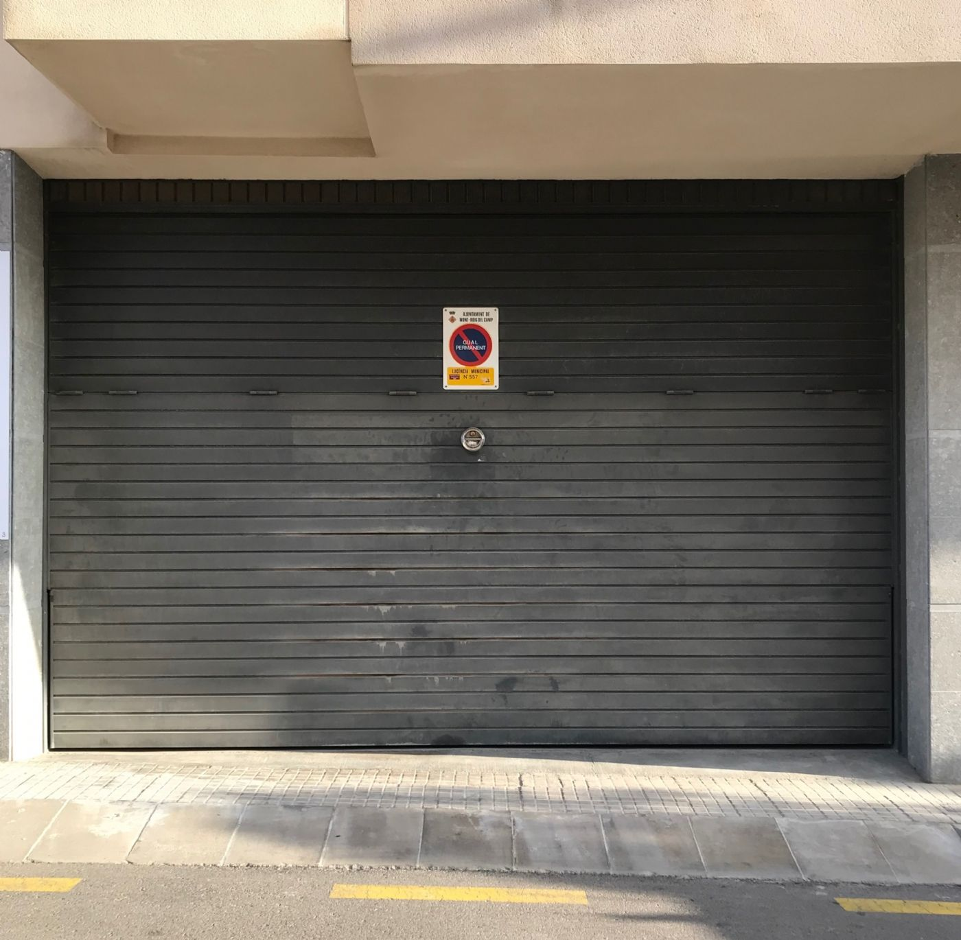 Business premise in Carrer vilanova d. Amplio local multifuncional