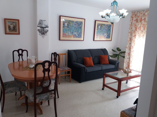 Apartamento en alquiler en Pizarra. Apartamento za