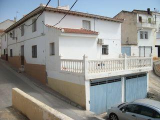 Casa adosada en venta en Castilléjar. Casa de pueb