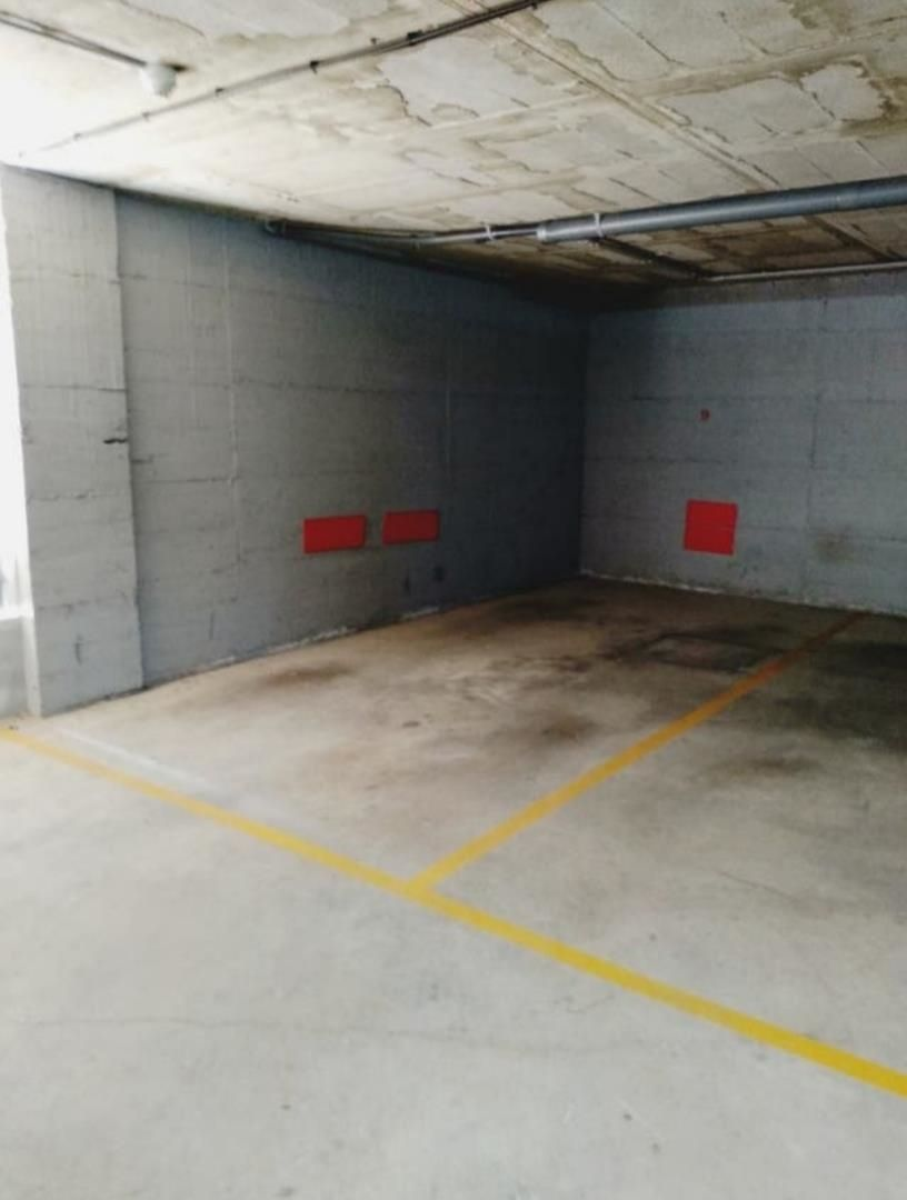 Parking coche en Carrer ramon i cajal, 9. L