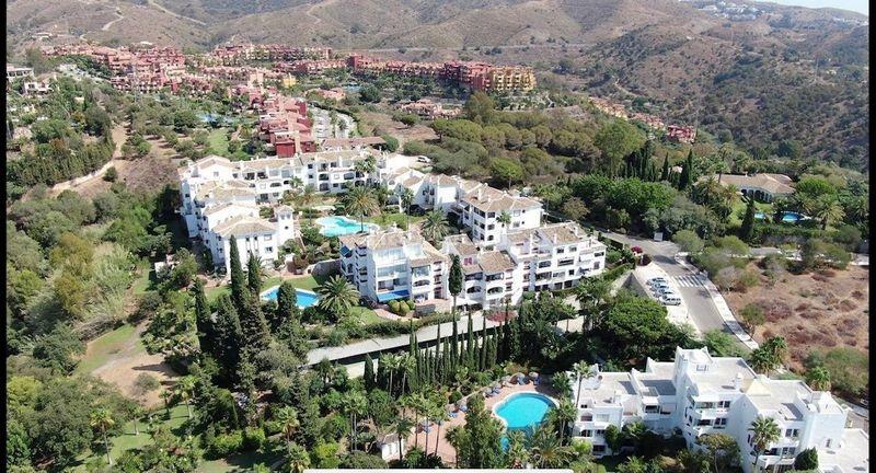Ático en Avenida casarabonela (r marbella),. Atico duplex en urbanización puebla ágata (Marbella, Málaga)