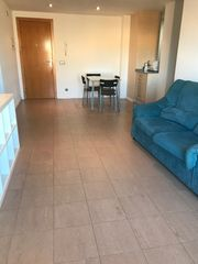 Rent Flat in Carrer doctor fleming, 25. Alquiler apartamento barri molí d´en rovira