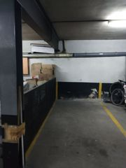 Rent Motorcycle parking in Carrer ignasi iglesias, 30. Capacitat 2 motos