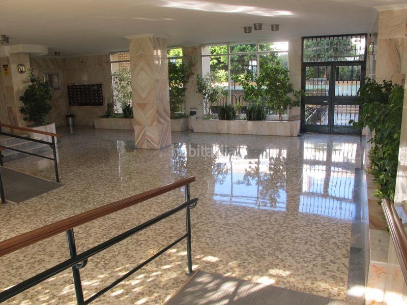 Alquiler Piso en Avenida santa rosa de lima, s/n. Carranque - haza cuevas / avenida santa rosa de li (Málaga, Málaga)