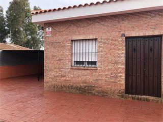 Casa en venta en Carmona. Carmona   Calle Matallan