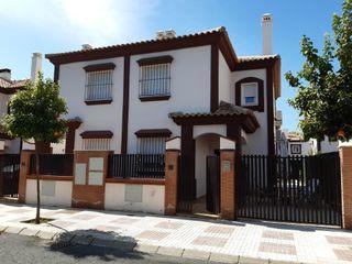 Casa en venta en Alcalá del Río. Alcalá del Río