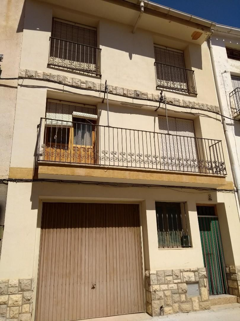 House in Calle cruces, 8. Vallanca / calle cruces