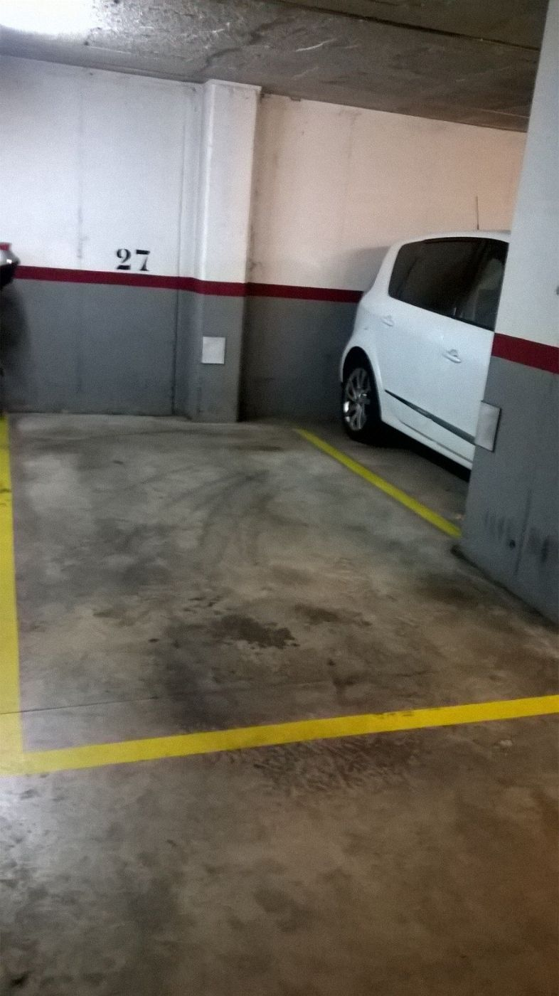 Alquiler Parking coche en Carrer roger de flor, 203. Lloguer de parking