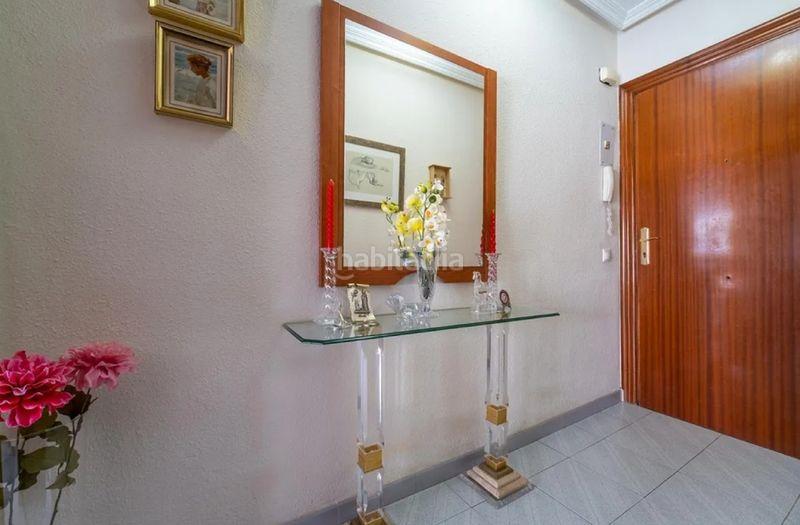 Alquiler Piso en Av. de mijas, 33. Piso exterior de tres dormitorios bien ubicado (Fuengirola, Málaga)