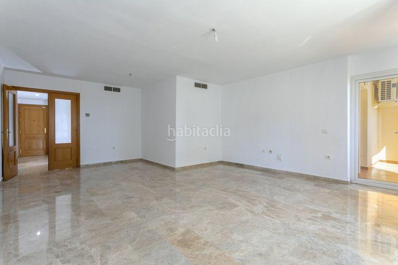 Piso en Calle rio mesa, 26. Gran plaza de garaje incluida en el precio (Torremolinos, Málaga)
