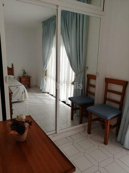 Alquiler Piso en Avenida conde jordana urb sitio de calahonda, 14. Excelente piso equipado completo (Mijas, Málaga)