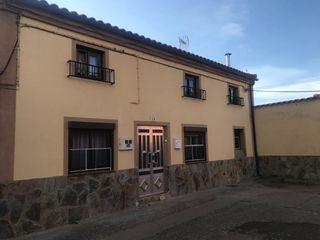 Casa en venta en Manganeses de la Polvorosa. Casa