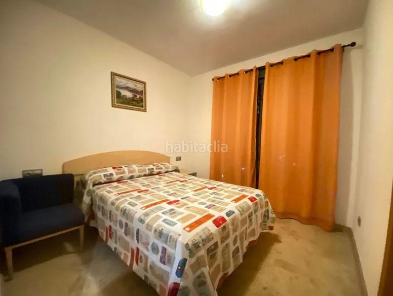 Alquiler Piso en Calle maestra angeles azpiazu, 1. Piso con cocina equipada y comedor (Fuengirola, Málaga)