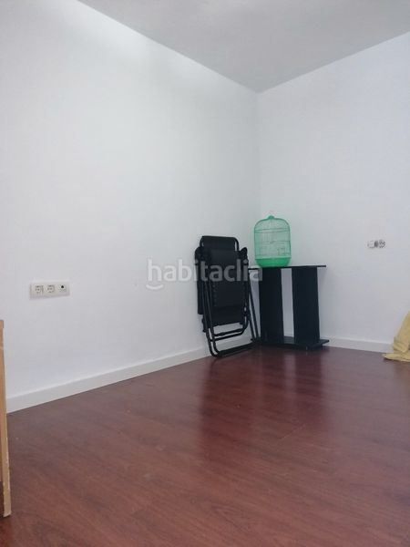 Piso en Calle castilla,. Se vende acogedor piso,barrio camino de antequera (Málaga, Málaga)