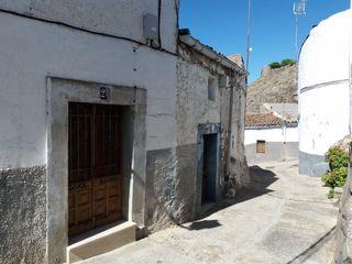 Casa en venta en Montánchez. Casa con vistas a la
