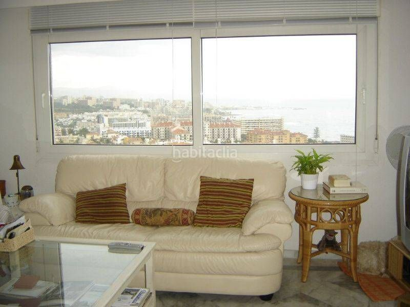 Apartamento en Calle coloso (el), 1. Primera línea de playa, excelentes vistas (Benalmádena, Málaga)