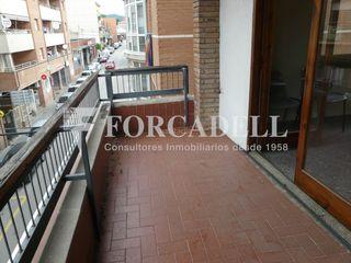 Appartamento in Breda. Piso con 2 habitaciones, aire acondicionado y terraza