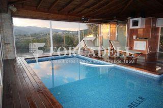 Chalet in Cànoves i Samalús. Chalet con 6 habitaciones, parking, piscina, calefacción, terraz