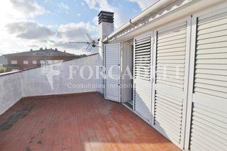 Casa a schiera in Tres Torres. Casa adosada con 4 habitaciones, parking, calefacción, aire acon