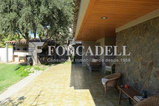Chalet in Garriga (La). Chalet con 4 habitaciones, parking, piscina, calefacción, terraz