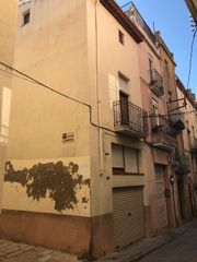 Casa  Carrer major. Casa esquinera