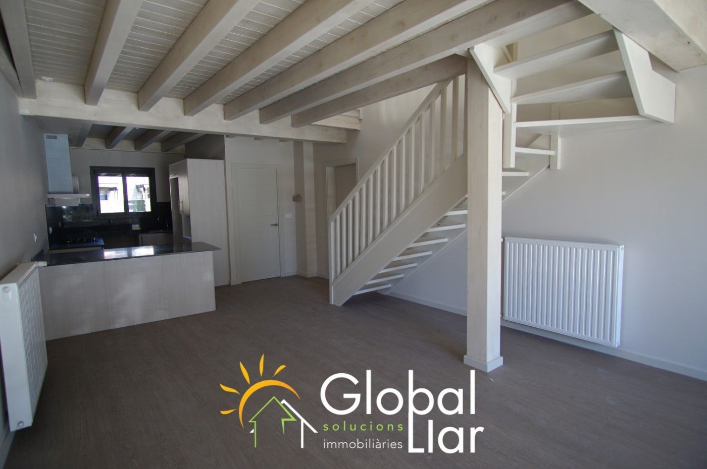 Semi detached house  Bourg-madame. Casa d´obra nova