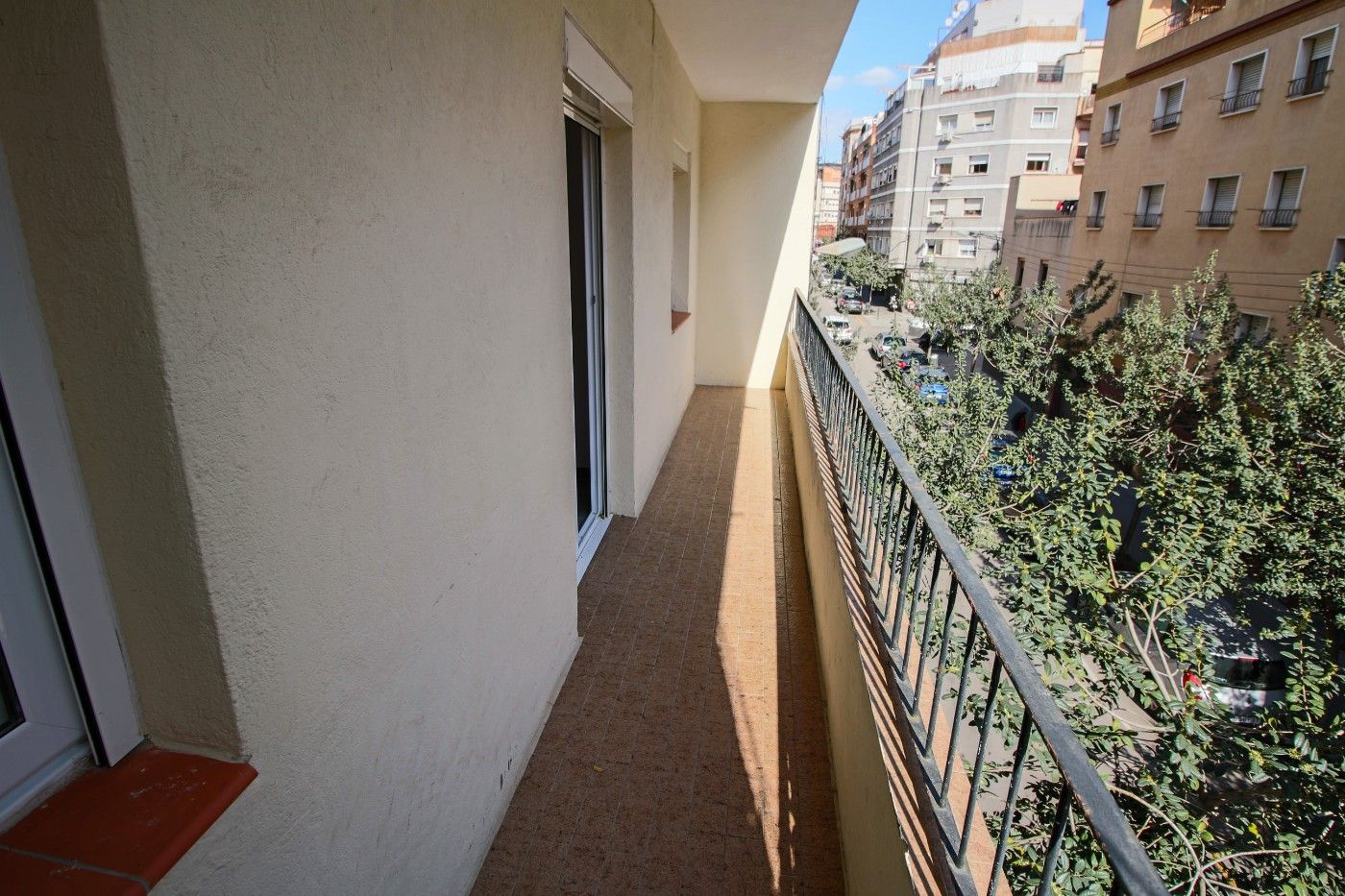 Rent Flat in Carrer marti i blasi, 79. 2 habitaciones con ascensor