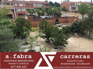 Semi detached house  Carrer santiago rusiñol. Cantonera,sol,parcela gran plana