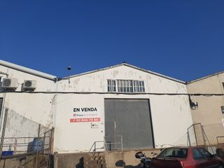 Fabrikhalle  Isaac peral. Nave en venta-can castells
