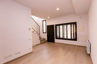 Casa adosada en Montornès del Vallès. Casa adosada obra nueva