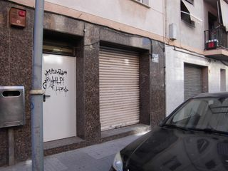 Local Comercial en Carrer Vint-i-dos