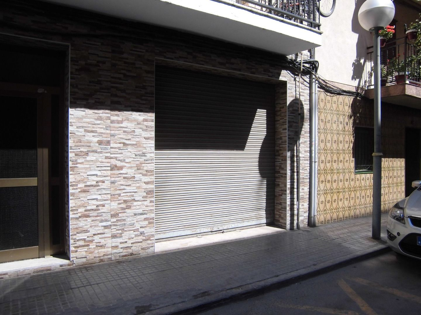 Local Comercial en Carrer vint-i-un