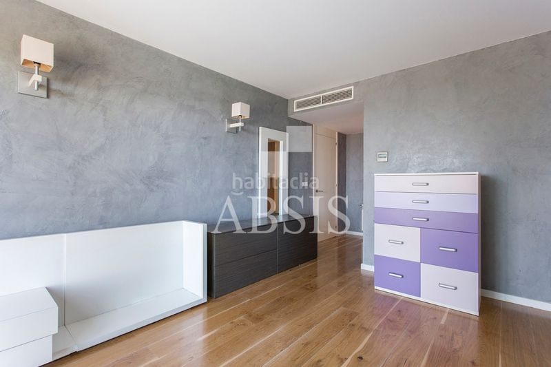 Habitación doble. Rent house with heating parking pool in Sant Vicenç de Montalt