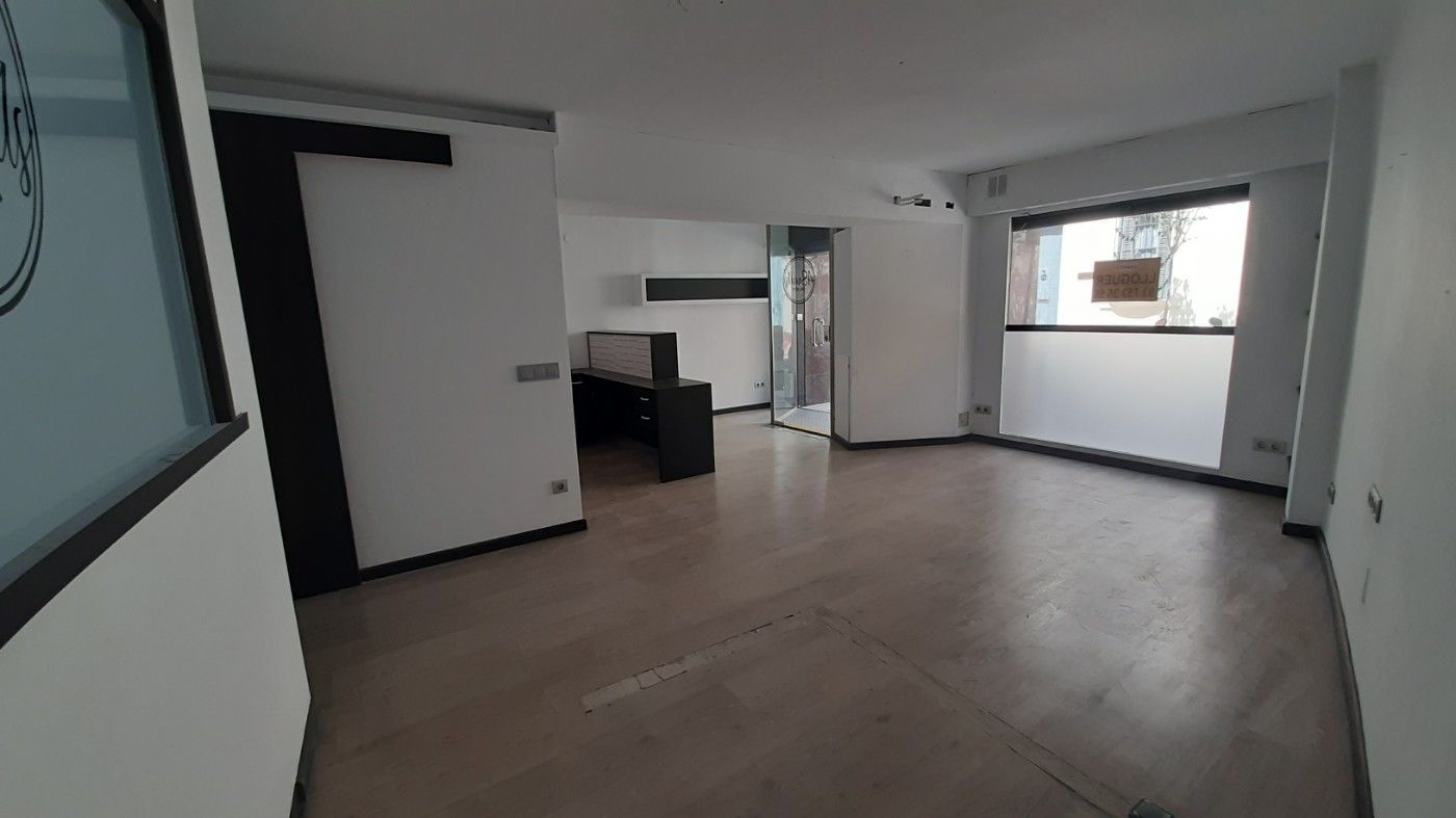 Affitto Locale commerciale in Carrer sant felip, 32. Local comercial 70m2