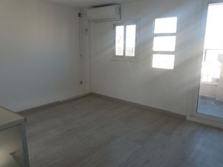 Rent Studio in Avinguda mistral, 63