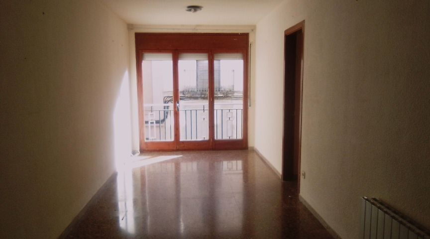 Rent Flat  Barri sant julia. Piso con terracita sant julia