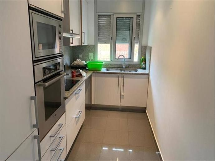 Rent Flat in Sant Pere Nord. Oportunidad