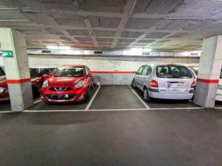 Parking voiture  Carrer hospital (de l´). En calle hospital